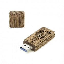 Luxury Wood Pendrive 8 GB with Our Wedding inscription.