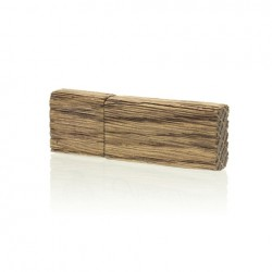 Luxury Wood Pendrive 8 GB with HEARTS symbol.