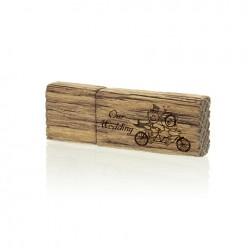 Luxury Wood Pendrive 16 GB with Our Wedding inscription.