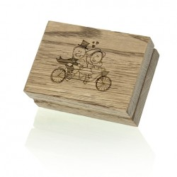 Luxury Wood - Pendrive Case with HEARTS symbol.