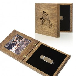 Luxury Wood - Pendrive+Photo Case with HEARTS symbol.